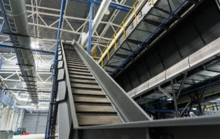 The Benefits of Overhead Conveyor Systems